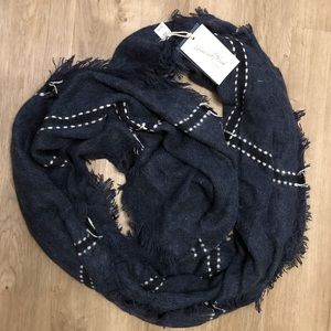 NWT navy and cream scarf